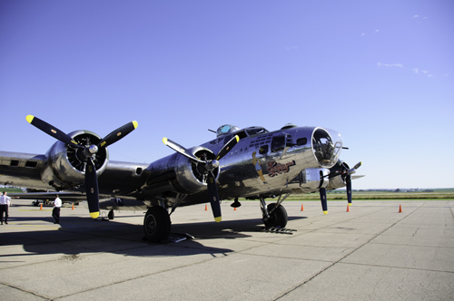 B-17 Bomber - RAW Image