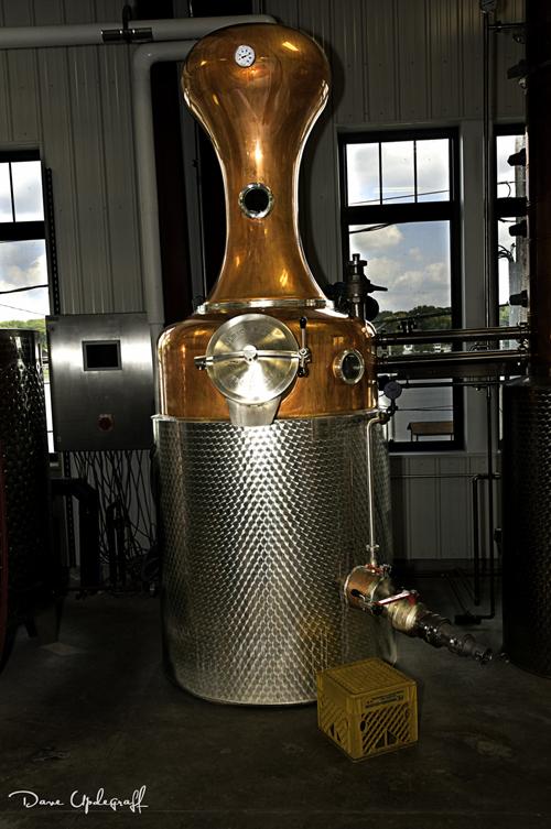 A distilling applicance